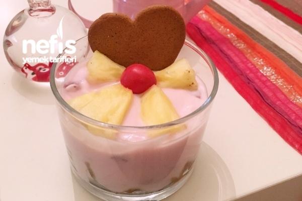 Çilekli Yoğurt Ve Ananaslı Granola Tarifi