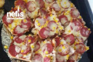 Tost Ekmeğinde Pratik Pizza (kahvaltiya)