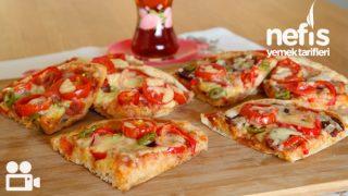 Bazlamadan Pratik Pizza Videosu Tarifi