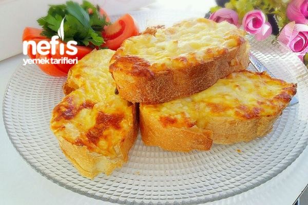 Duble Peynirli Ekmek Dilimleri