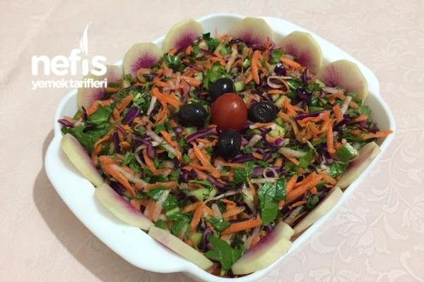 Karışık Salata (Özellikle Balık Yanında Süper)