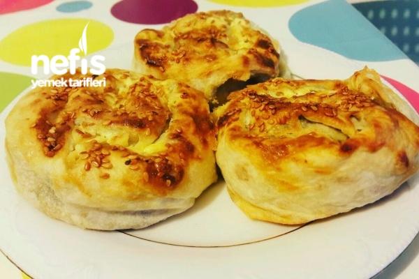 Ispanaklı Börek (Çiğ Malzemeden) Tarifi