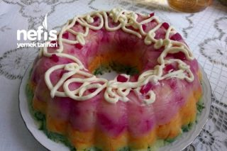 Kek Kalıbında Renkli Patates Salatası Tarifi