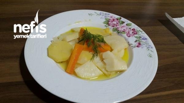 Ayvalı Ve Portakal Sulu Kereviz Yemeği