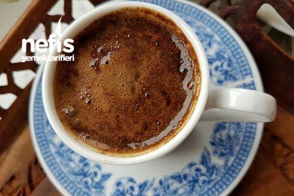 Maden Sulu Çikolatalı Bol Köpüklü Türk Kahvesi