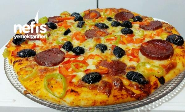 Muhteşem Pizza Tarifi