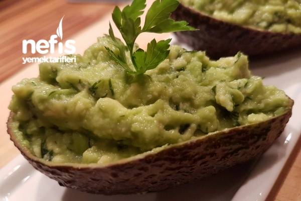 Avakado Salatası (Mezesi) Tarifi
