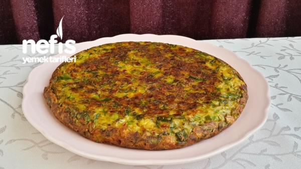 Nefis Tavada Pırasa Böreği