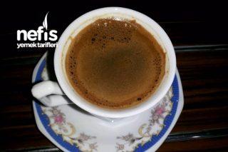 Biraz Dinlenme Zamanı (Orta Şekerli Türk Kahvem) Tarifi