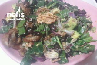 Muhteşem Besleyici Avakado Salatası Tarifi