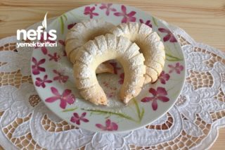 Ağızda Dağılan Fındıklı Elmalı Pasta Tarifi