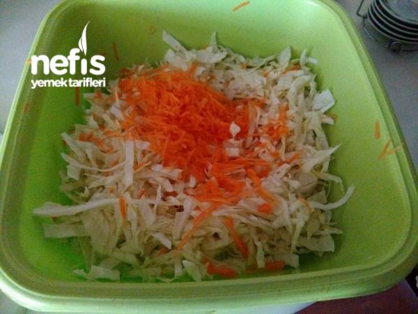 Turşu Tadında Beyaz Lahana Salatası..