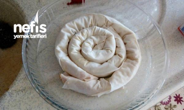 Patatesli Börek ( Hazır Yufkadan Çok Pratik )