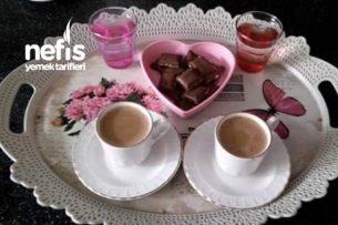 Sıcak İçecekler - Bir Türk Kahvesi İçelim Tarifi