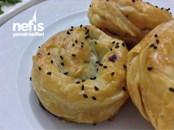 Ispanaklı Gül Böreği ( Sodalı Çıtır Çıtır )
