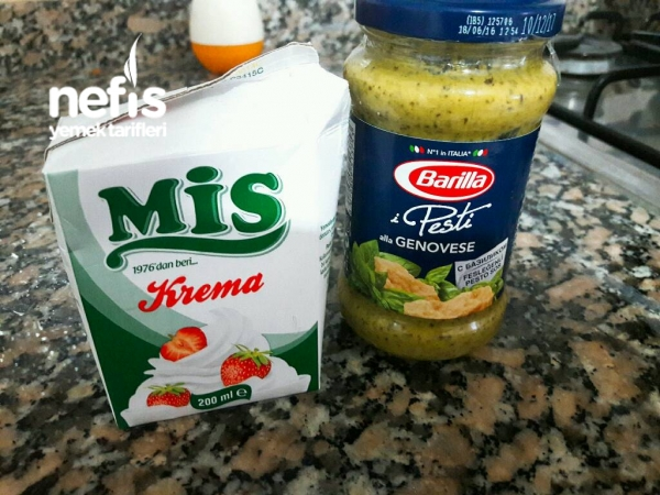 Pesto Soslu Makarna (tavuk Dünyası Tarifi:))