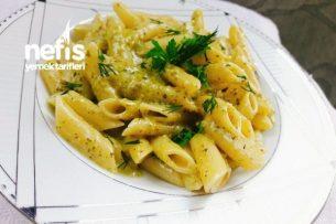 Pesto Soslu Makarna (Tavuk Dünyası Tarifi)