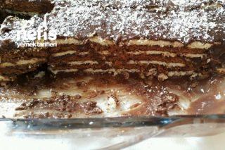 Çikolata Soslu Bisküvi Pastası Tarifi