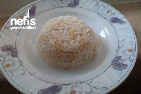 Tane Tane Şehriyeli Pirinç Pilavı Tarifi