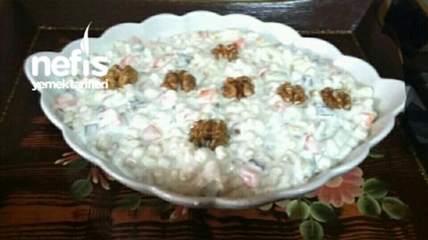 Pratik Lezzetli Yoğurtlu Gūn Salatası