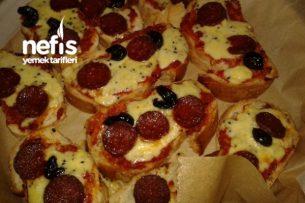 Bayat Ekmeklerden Pizza Tarifi
