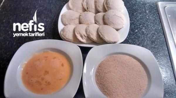 Ekmekli İcli Köfte