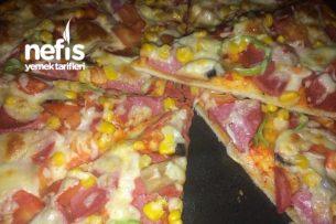 Muhteşem Hamuruyla Enfes Pizzam Tarifi