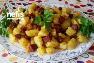 Kahvaltılık Sucuklu Patates Kavurma Tarifi