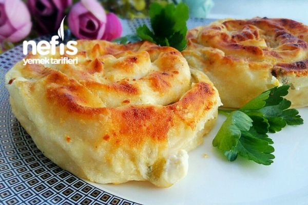 Peynirli Yumuşacık Gül Böreği