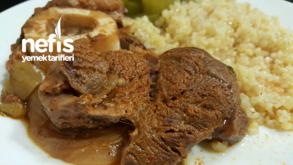 Kemikli Et Yemeği