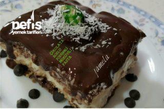 Çikolata Soslu Pudingli Bisküvili Pasta Tarifi