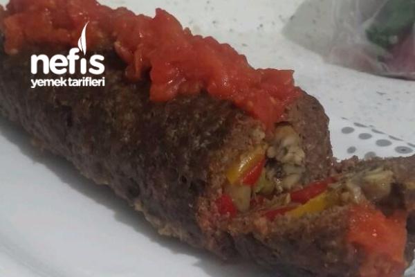 Akşam Yemeği Pilav Kapama Köfte Rosto Ve Çilekli Pasta