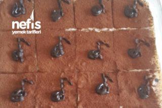 Keki Pudingli Üstü Kremalı Piyano Pasta Tarifi