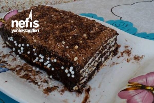 Süt Kutusunda Bisküvili Çikolatalı Pasta Tarifi