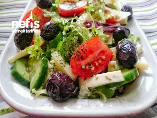Üç Peynirli Salata