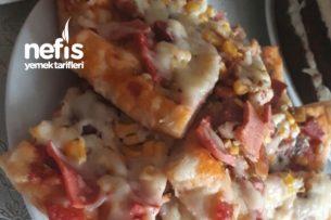 Ev Yapımı Pizza (Mayalı) Tarifi