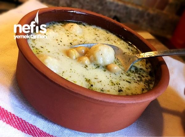 Bulgur Köfteli Nohutlu Yoğurt Çorbası