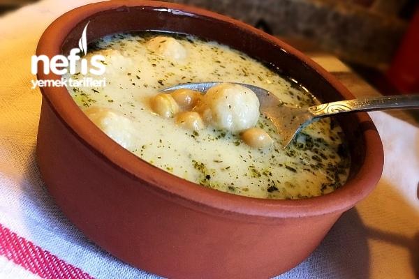 Bulgur Köfteli Nohutlu Yoğurt Çorbası Tarifi