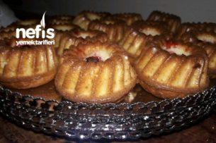 Silikonlu Kek Kalıplarında Mini Kekler Tarifi