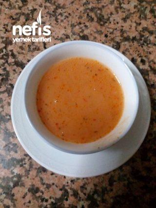 Tavuk Bulyonlu Şehriyeli Domates Salçası Çorbası