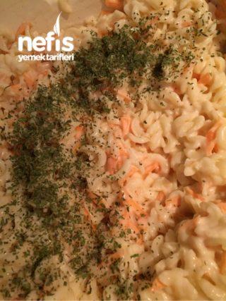 Leziz Pratik Makarna Salatası Tarifi