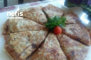 Yufka Ekmekli Pizza Tarifi