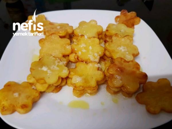 Lımon Sarmsak Soslu Cıcek Patates Kızartması