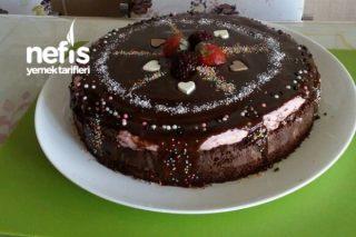 Çikolatalı Enfes  Bahar Pastası Tarifi