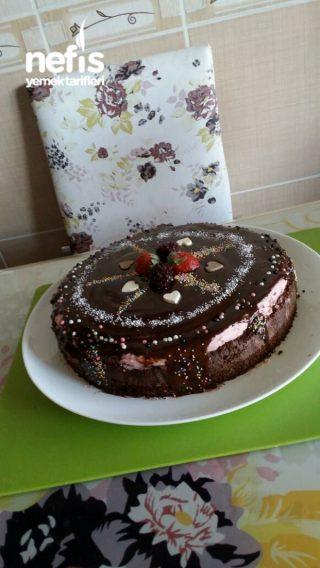 Çikolatalı enfes bahar pastası