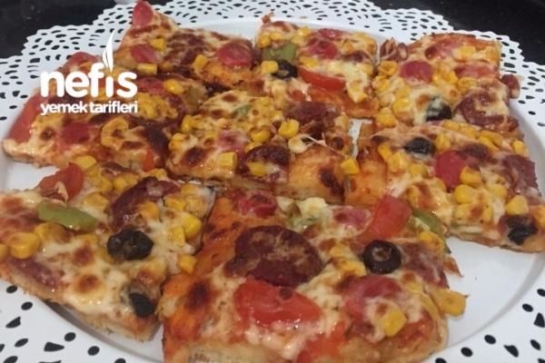 Pizza ( Bu Tarif Kaçmaz ) Tarifi