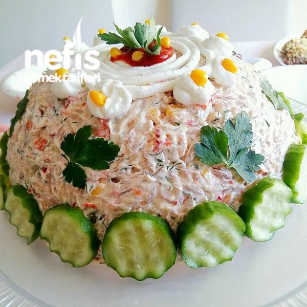 Arpa Şehriyeli Yoğurtlu Gün Salatası