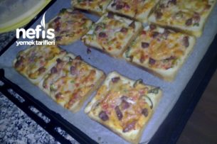 Kahvaltıya Pizzacıklar(tost Ekmeğine)