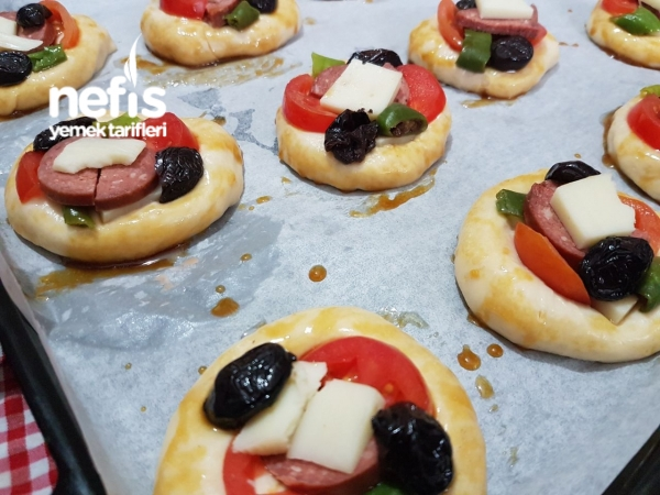 Nefis Mini Pizza (Pastane Usulü)