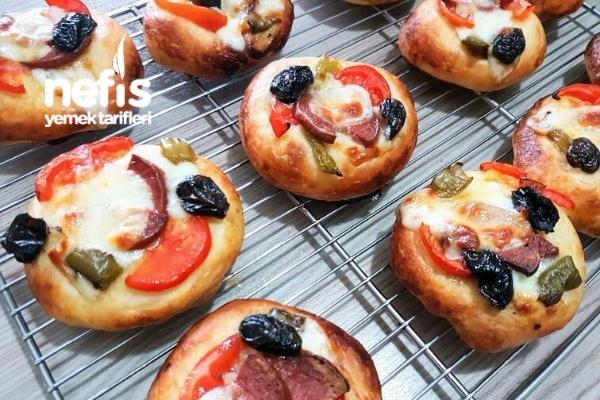 Nefis Mini Pizza (Pastane Usulü) Tarifi